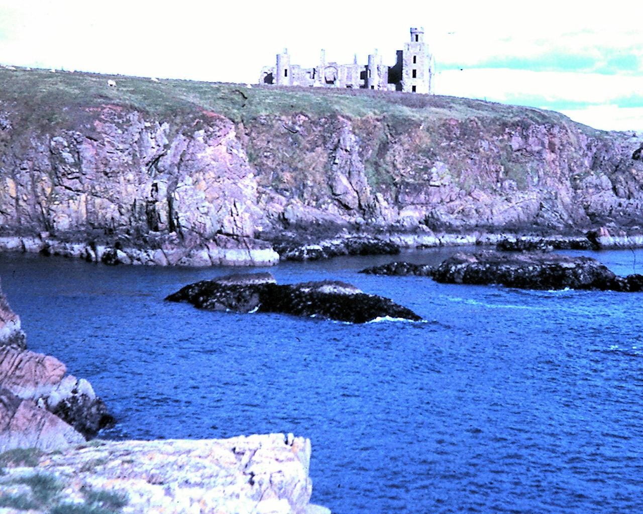 slains_castle__1280x1024_.jpg